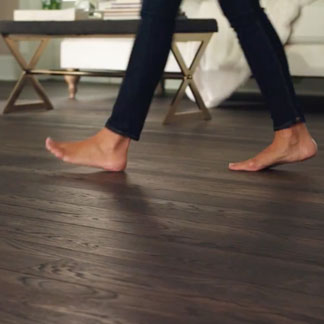 &lt;p&gt;Learn the benefits of quick, daily floor maintenance at 0:40.&lt;/p&gt;<br/>